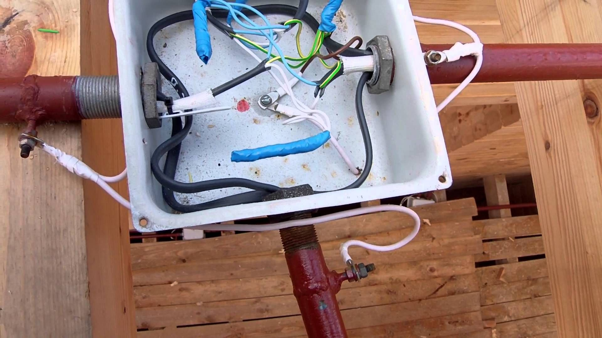 Проводка в деревянном доме своими руками сделать схему видео