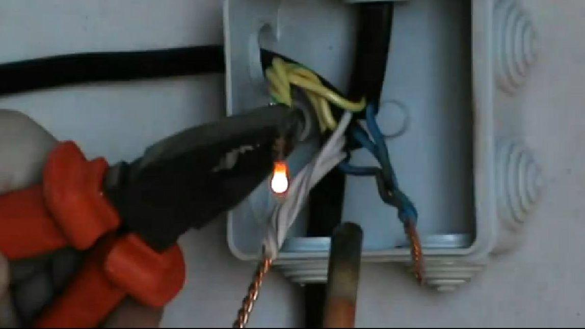 Аппарат для сварки проводов в распределительной коробке